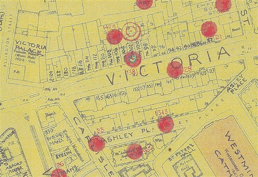 Photo:Bomb Map: Delayed-action HE bomb on 102 Victoria Street, 1941