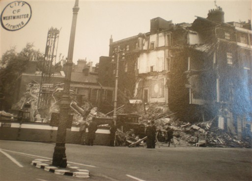 Photo:Damage to 30 Berkely Square, September 1940