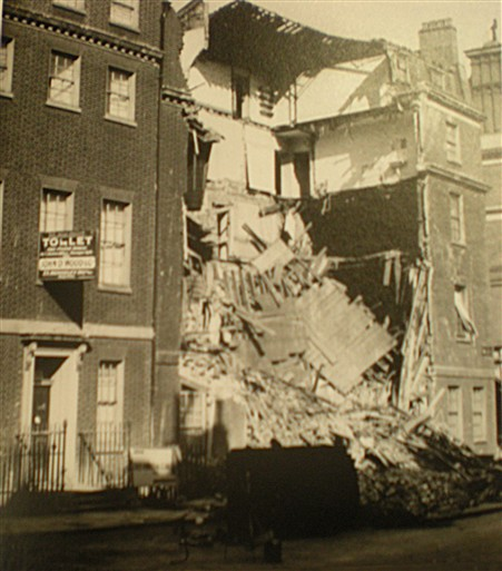 Photo:Damage to 34 Hill Street, September 1940