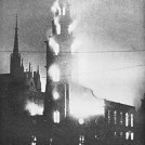 Photo:St Clement Danes on fire, 11 May 1941