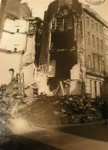 Photo:Damage to 39 Bruton Street W1, September 1940