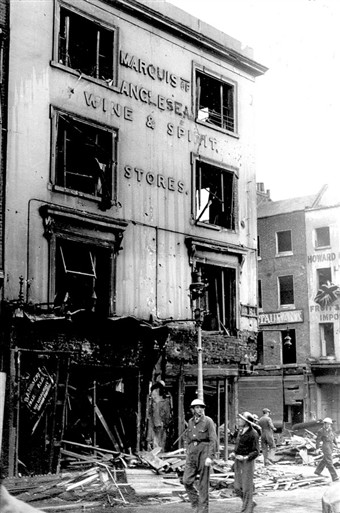 Photo:Damage to Marquis of Anglesea Wines & Spirits Store, Bow Street, October 1940