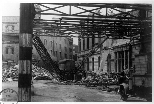 Photo:V1 strike on Hudson's Place, Victoria Station, 1944