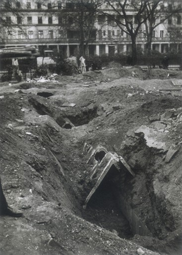 Photo:Eaton Square bomb shelter facing NW, 11 May 1941