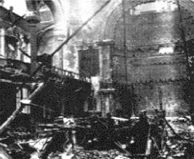 Photo:Interior damage to the Central Synagogue, 10-11 May 1941