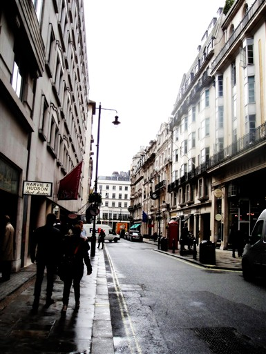 Photo:Jermyn Street looking towards St. James's Street, 2012