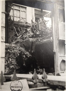 Photo:Damage to Garland's Hotel, Suffolk Street, March 1941
