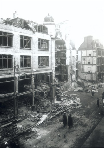 Photo:V2 strike on Duke Street, 1944 (view from Selfridges Annex)