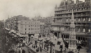 Photo:Front of Charing Cross Station