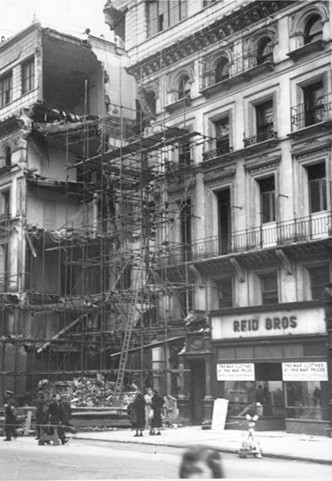 Photo:Damage to 102 Victoria Street, 1941
