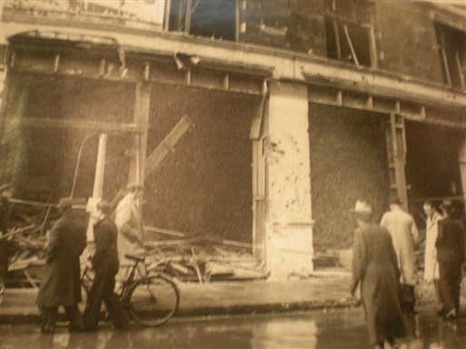 Photo:Damage to Catherine Street WC2, October 1940