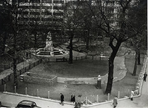Photo:Leicester Square showing the entrance to the completed shelter