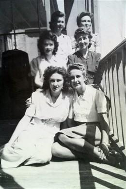 Photo:Hazel Kirby and friends at Ventnor Sanatorium