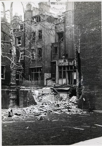 Photo:Damage to Queen Street W1, 24/11/1940